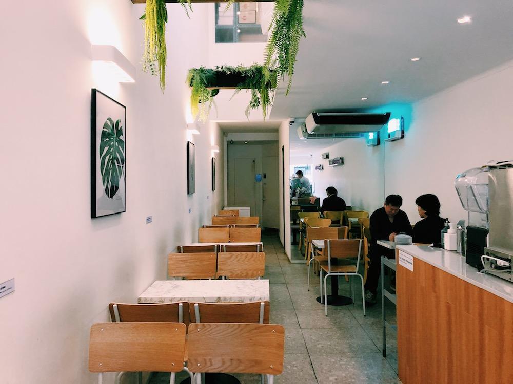 カーブコーヒー(Curved Coffee 커브드커피)-店内