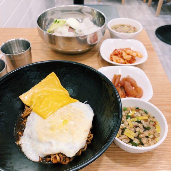 コスパ最高庶民の味方。ソウル鍾路3街駅にある食堂(Resonabale Korean Restrant LABAB at Jongno 3-ga Station, Seoul) 「LABAB(라밥)」