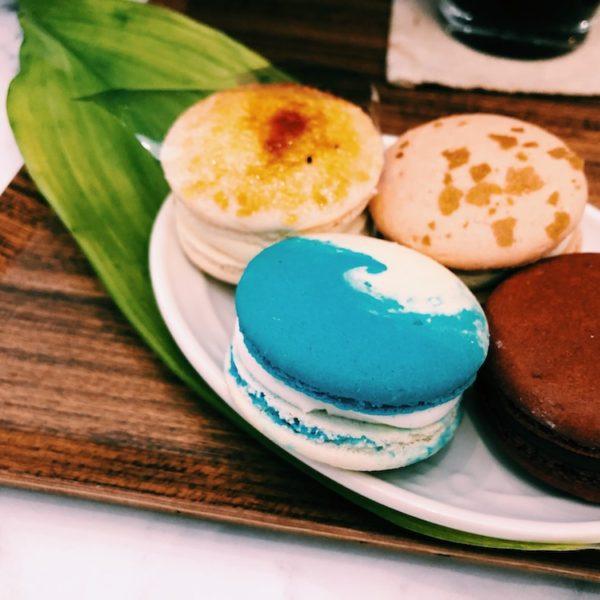 【カーブコーヒー(Curved Coffee 커브드커피)】乙女心くすぐられまくるマカロンカフェ
