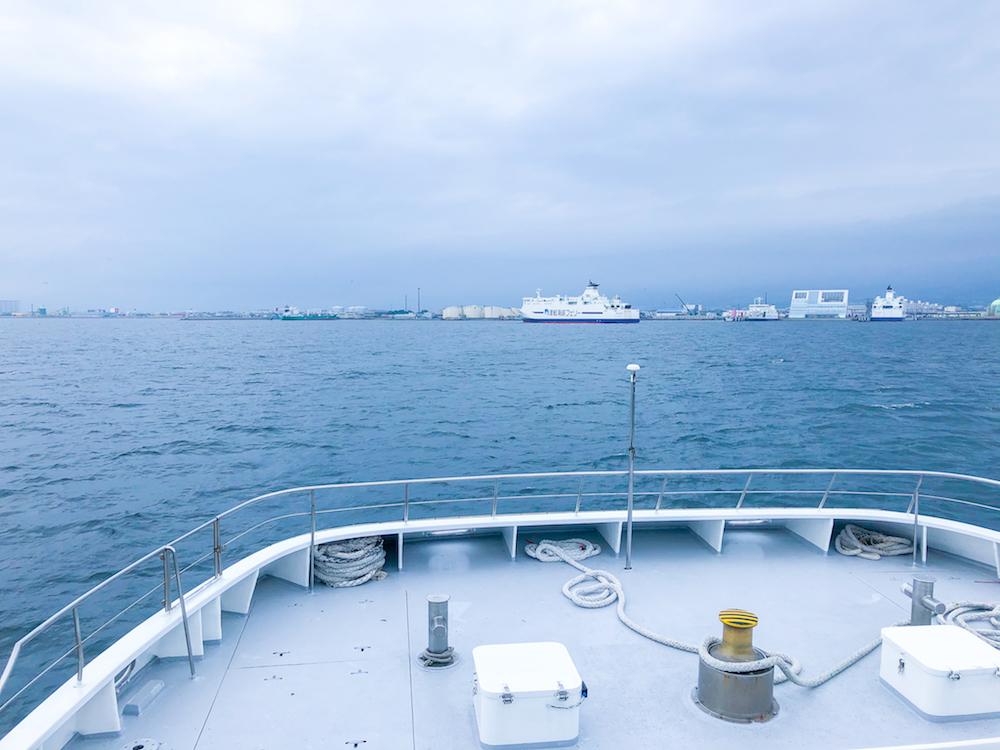 ブルームーン-船首