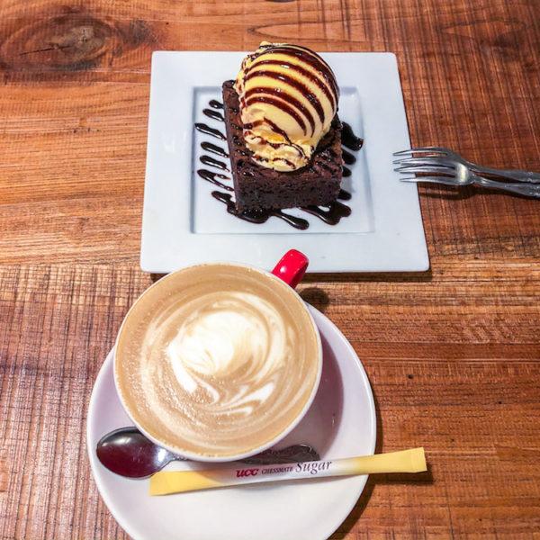 コーヒーの味がいいカフェ、新大久保にある「TAK CAFE」